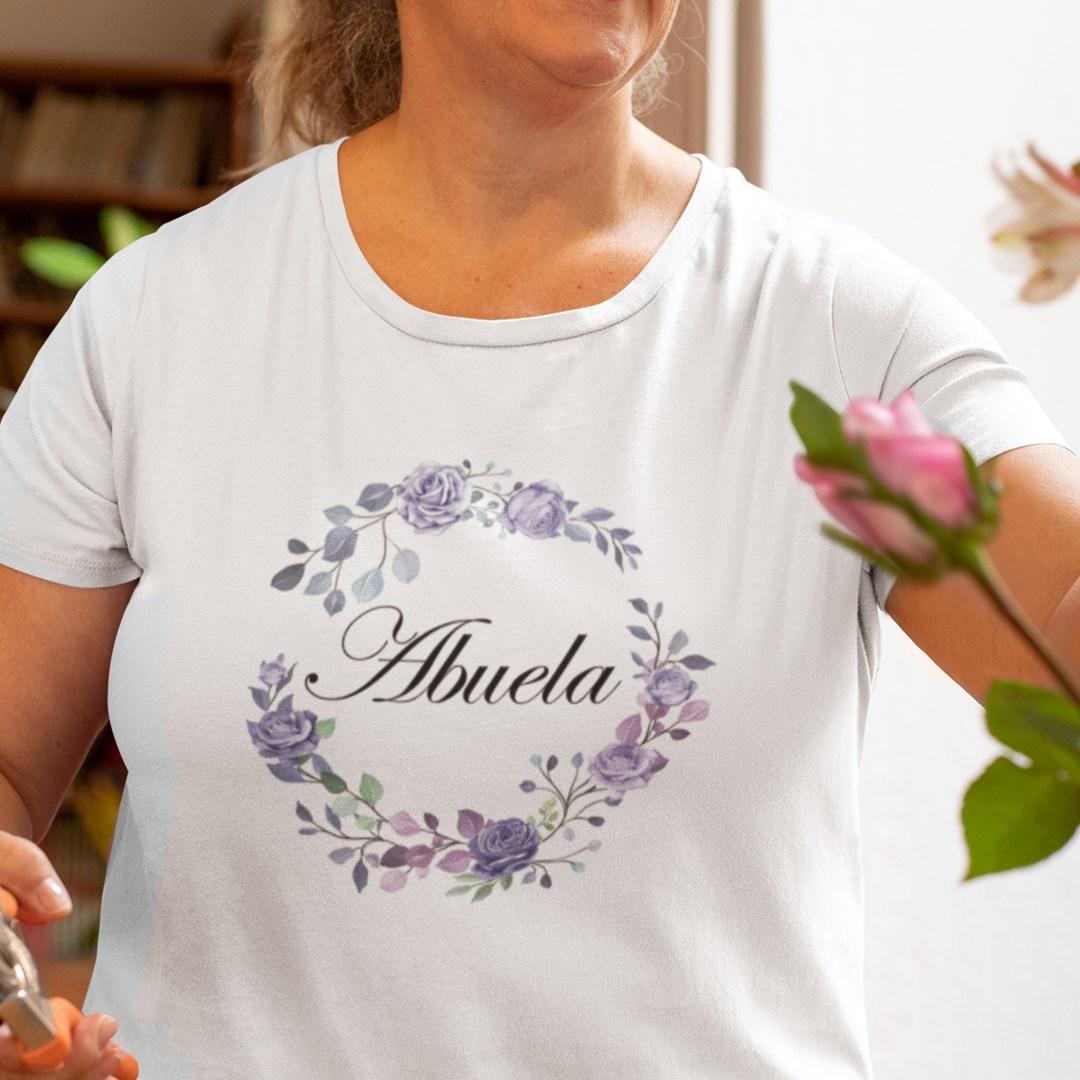 Camiseta personalizada abuela con flores